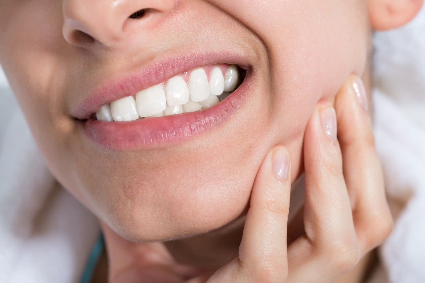 """Kết quả hình ảnh cho Vì sao cần điều trị viêm tủy răng?"""""""