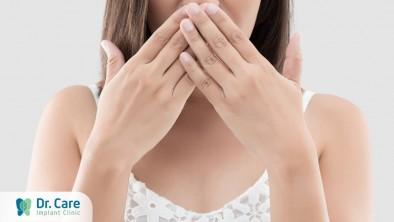 Vùng chân răng giả bị hôi: Nguyên nhân và cách khắc phục triệt để