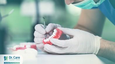 Hướng dẫn cách đeo hàm răng giả
